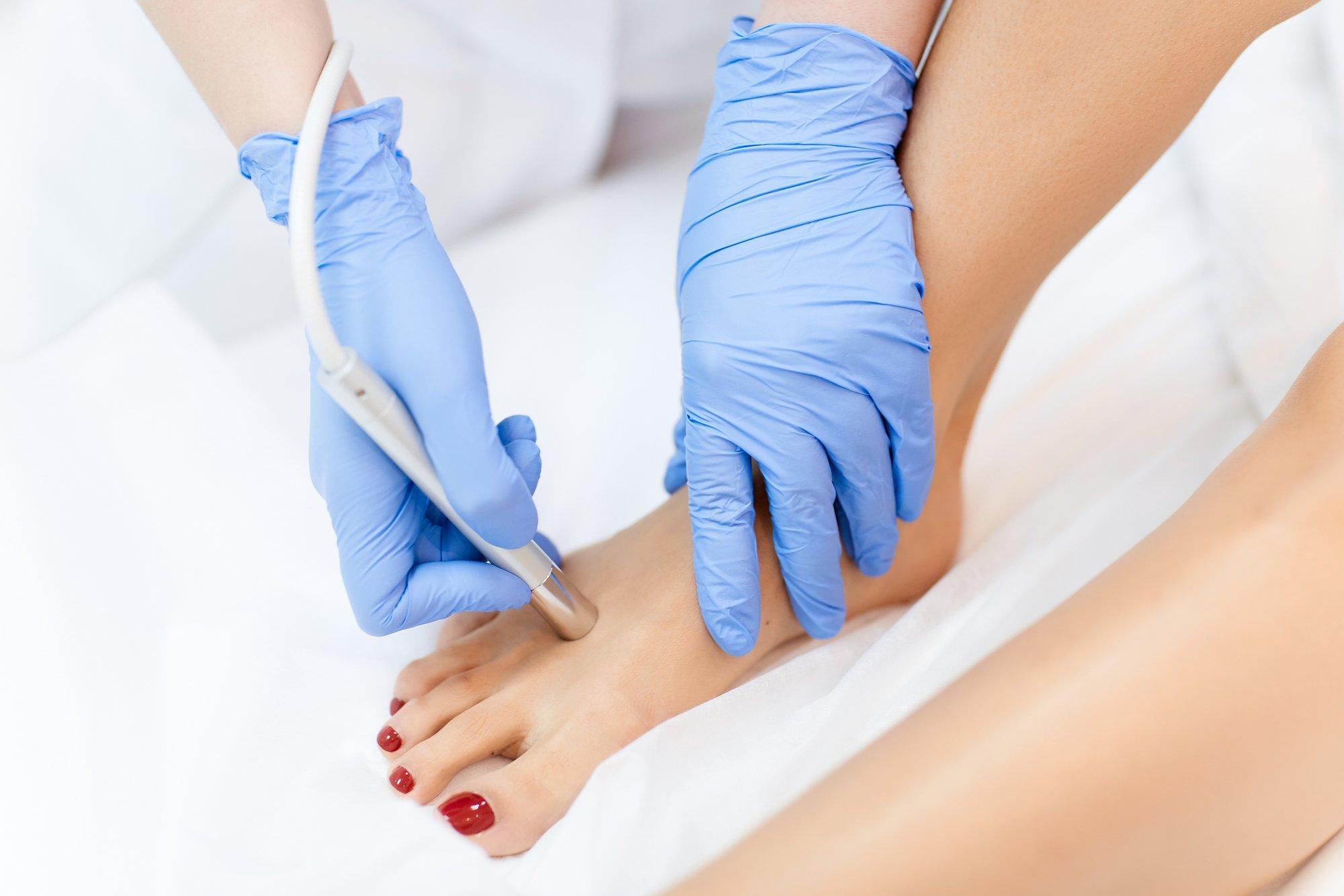 травмы коленного сустава лечение